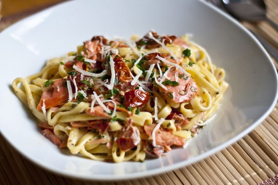 Smoked Salmon and Sun-Dried Tomato Pasta | My LIttle Gourmet