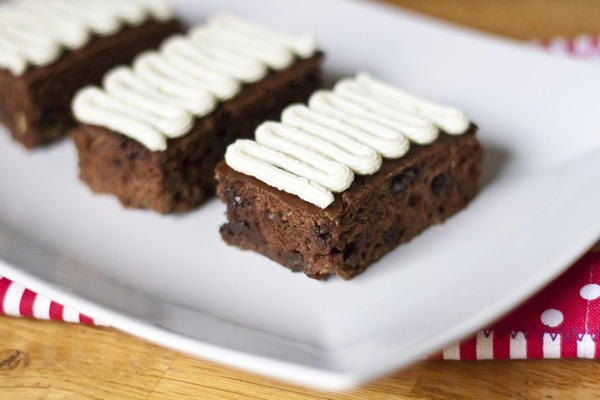 Chocolate Chip Zucchini Bars with Vanilla Cream Cheese Frosting | My Little Gourmet
