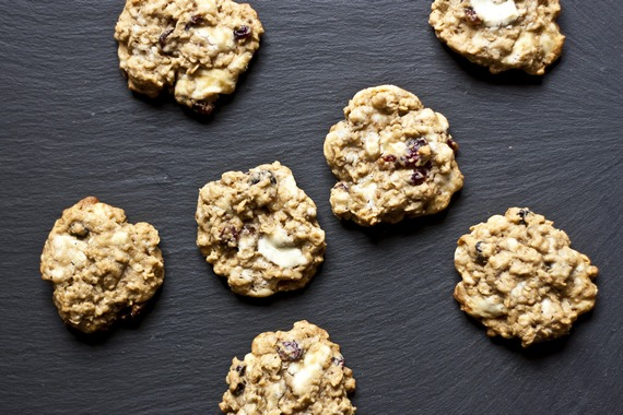 White Chocolate and Berry Oatmeal Cookies | My Little Gourmet