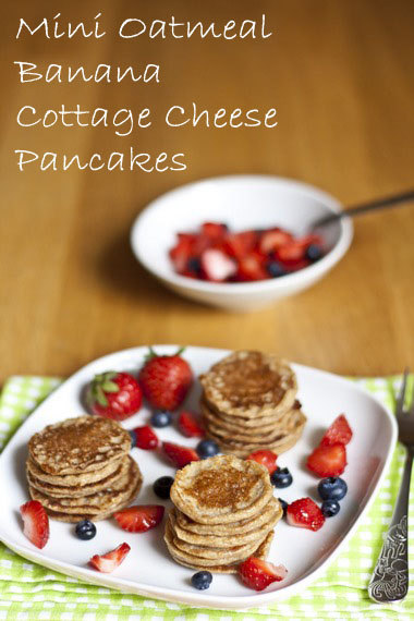Mini Oatmeal Banana Cottage Cheese Pancakes | My Little Gourmet