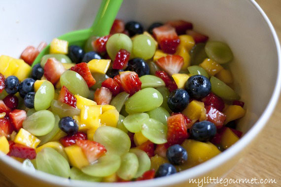 Fruit Salad with Honey-Lime-Dressing | My Little Gourmet